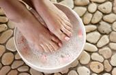 Очищение организма от шлаков при помощи ножной ванночки