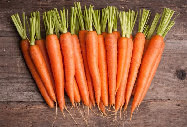 Польза морковного сока для кожи
