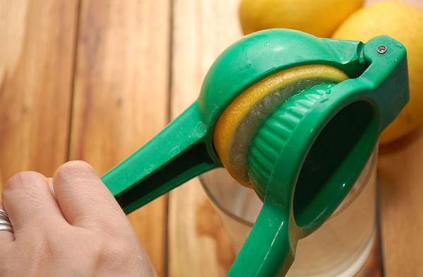 Лечение камней в почках лимонным соком