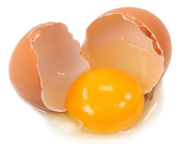 Можно ли пить сырые яйца