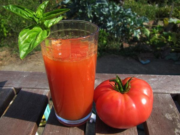 Польза томатного сока для кожи