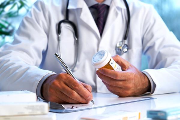 Применение амоксициллина связано с диареей и кандидозом