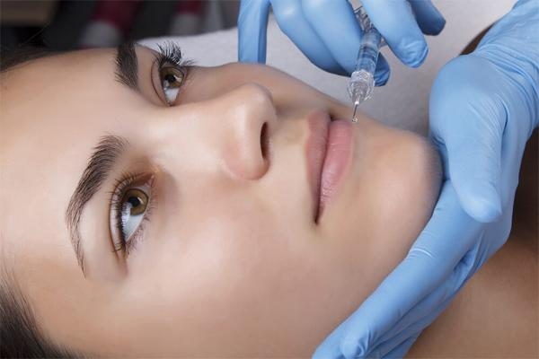 Как делаются инъекции гиалуроновой кислоты