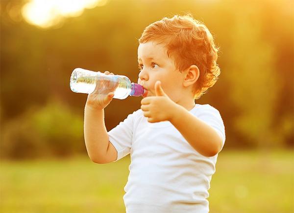 Какие симптомы указывают на обезвоживание у ребенка?