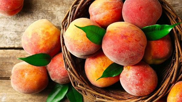 Чем полезны персики?