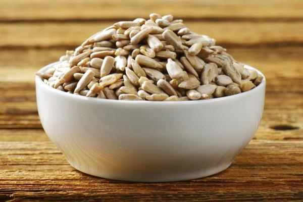 Чем полезны для здоровья сырые семена подсолнечника
