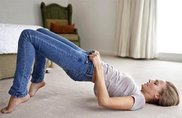Чем вредны обтягивающие джинсы