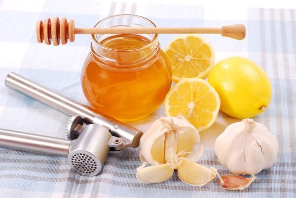 Каковы симптомы и как лечить сухой кашель