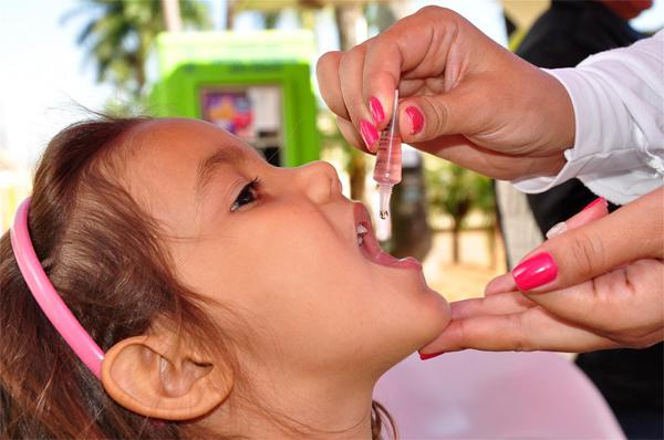 Насколько важна прививка от полиомиелита