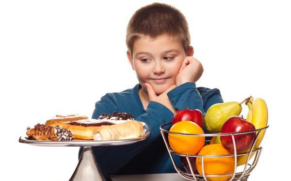 Неправильное питание ребенка может привести к язве желудка!