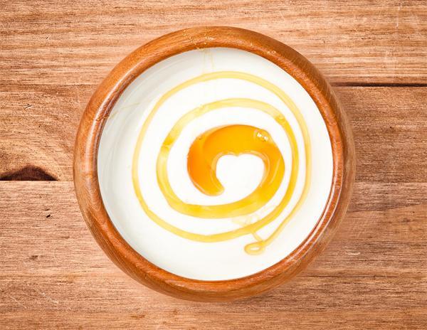 Мед с йогуртом