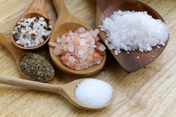 Чем морская соль отличается от поваренной соли?