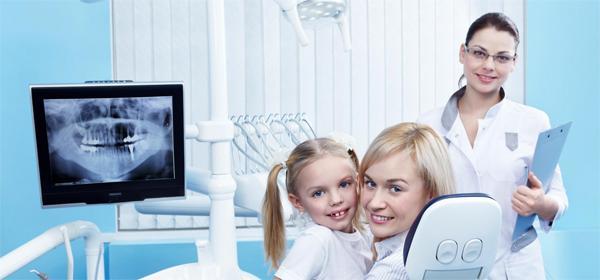 Когда требуется лечение зубов ребенку под наркозом