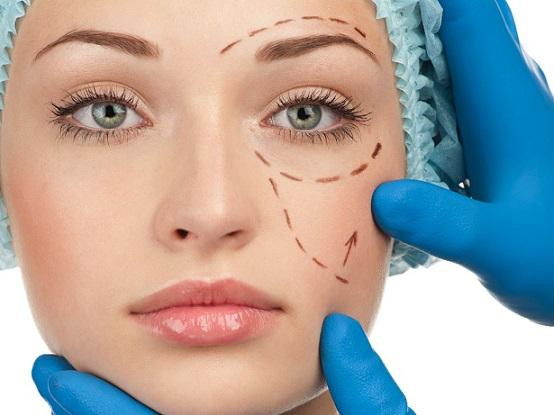 Почему контурная пластика в косметологии становится популярнее хирургии