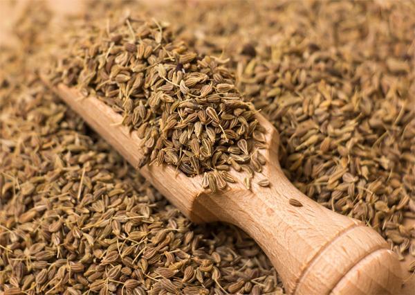 Чем полезны семена аниса?