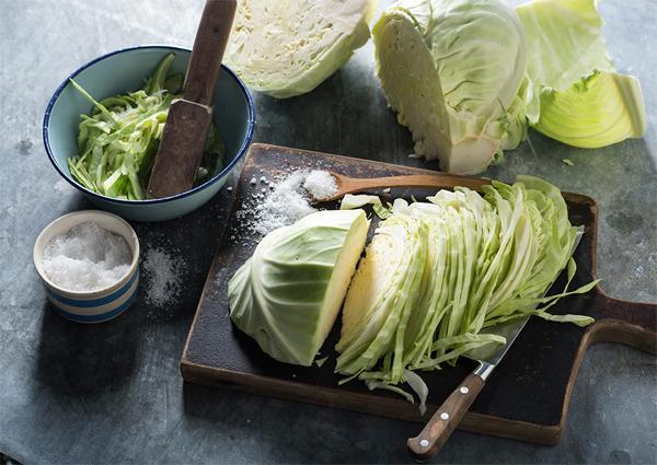 Чем полезна квашеная капуста?