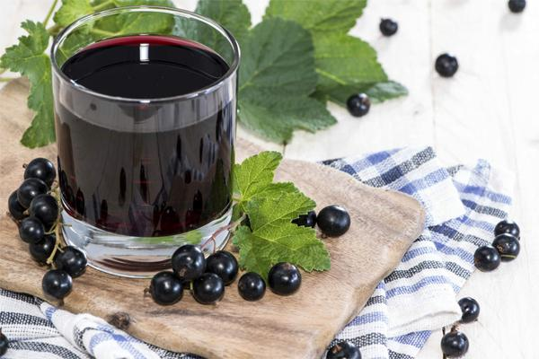 Чем полезно масло черной смородины?