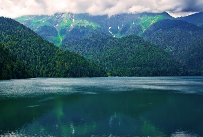 Почему стоит отдохнуть в Абхазии?