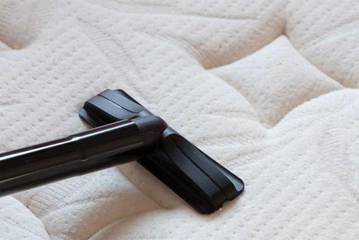 Как постирать матрас в домашних условиях