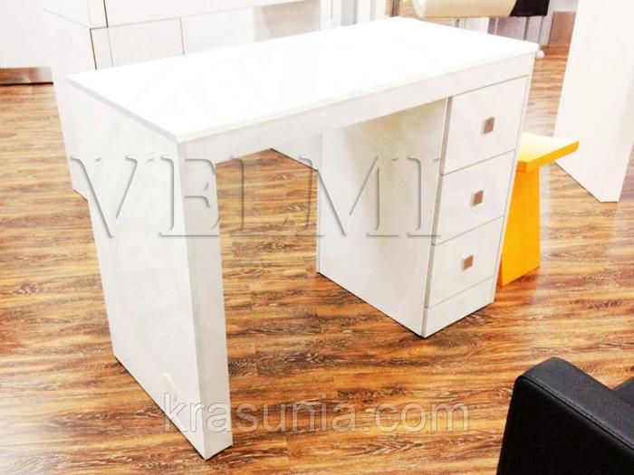 Маникюрный стол - как выбрать?
