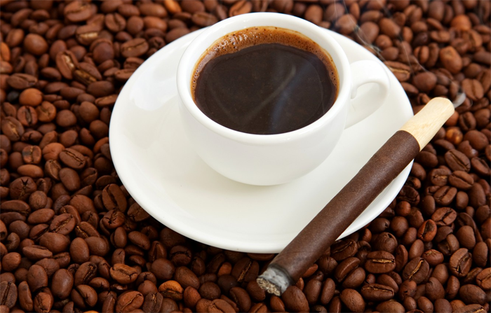 Почему сочетание кофе и сигарет опасно?